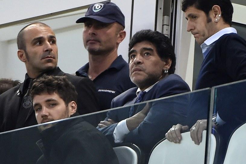 Diego Maradona (w środku) /AFP