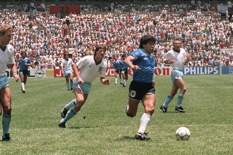 afbfe88e3 Diego Maradona zdobył fantastyczną bramkę w ćwierćfinale mundialu 1986 roku  z Anglią /AFP