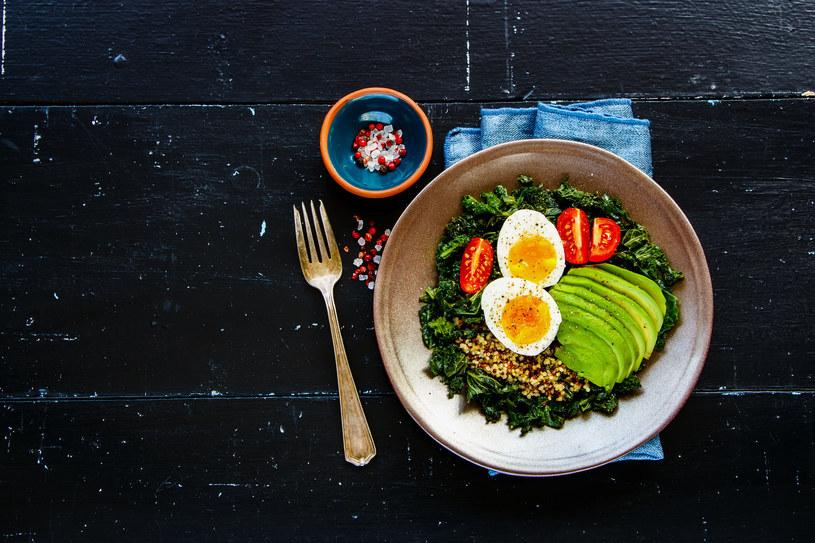 Dieta alkaliczna opiera się na warzywach i produktach pełnoziarnistych /123RF/PICSEL