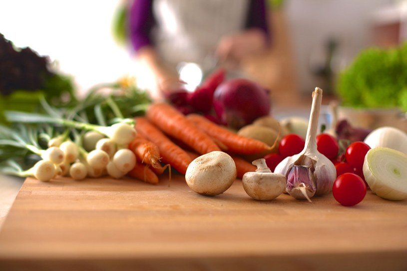 Dieta bogata w warzywa podnosi odporność /123RF/PICSEL