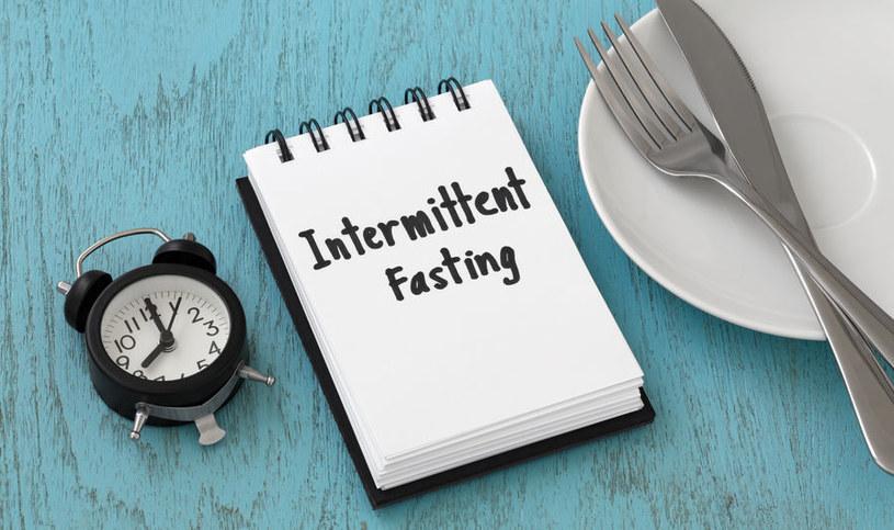 Dieta IF może przynieść wiele korzyści, pod warunkiem że umiejętnie ją stosujemy /123RF/PICSEL