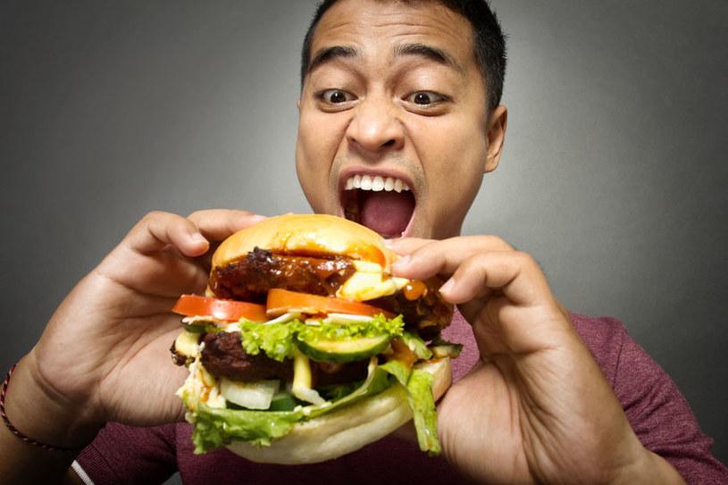 Dieta jest przyczyną wzdęć /©123RF/PICSEL