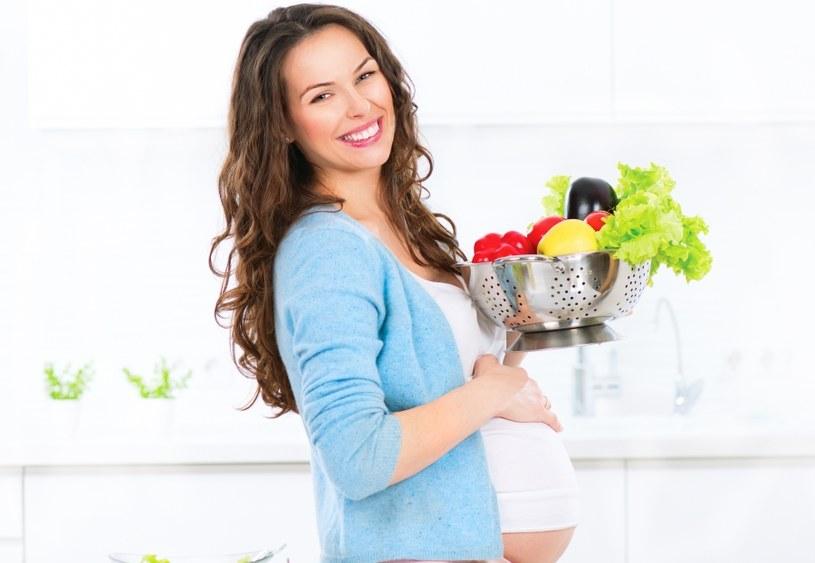 Dieta kobieta w ciąży powinna być zbilansowana /123RF/PICSEL