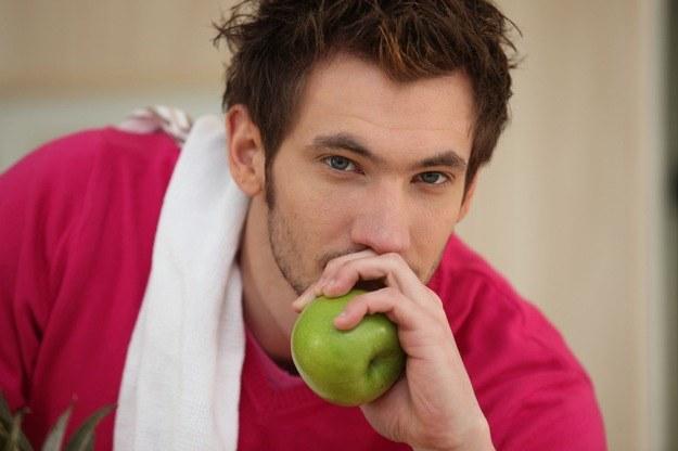 Dieta nie zawsze jest zdrowa... /123RF/PICSEL