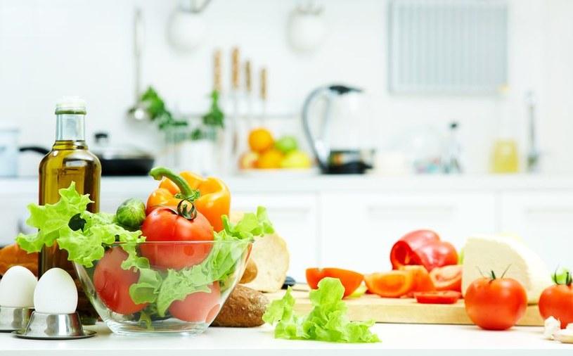 Dieta niskokaloryczna /©123RF/PICSEL