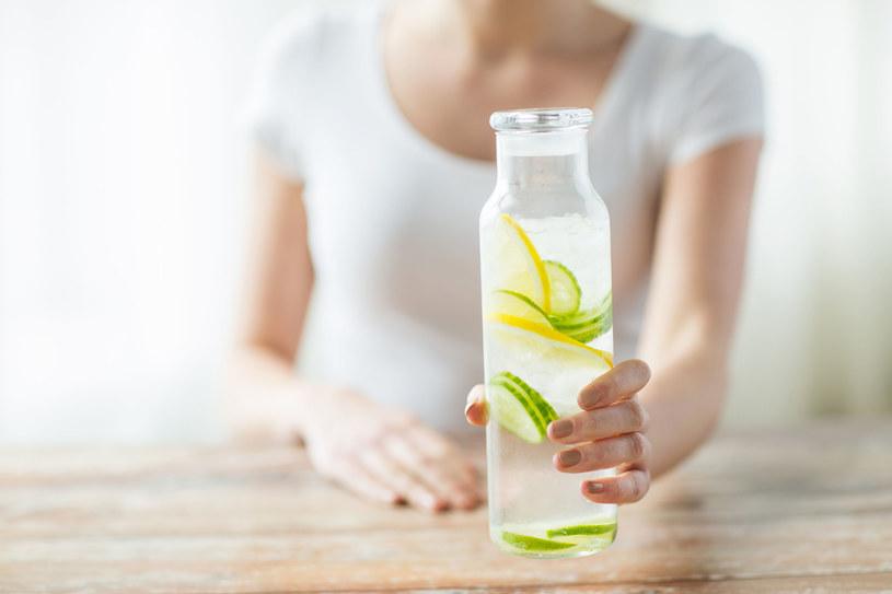 Dieta oparta wyłącznie o napoje nie jest zdrowym rozwiązaniem. Każdy detoks należy konsultować z lekarzem /123RF/PICSEL