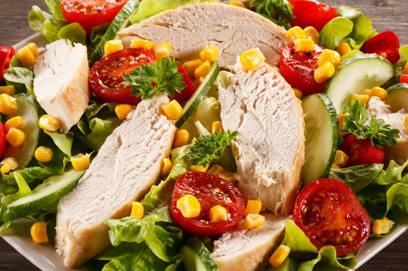 Dieta rozdzielna wymaga zrezygnowania z wielu przyzwyczajeń, odpadają typowe zestawy obiadowe /123RF/PICSEL