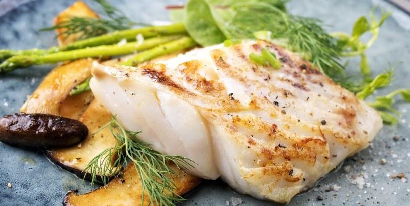 Dieta Sonoma stawia na ryby /©123RF/PICSEL