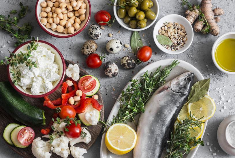 Dieta śródziemnomorska zmniejsza ryzyko chorób /123RF/PICSEL