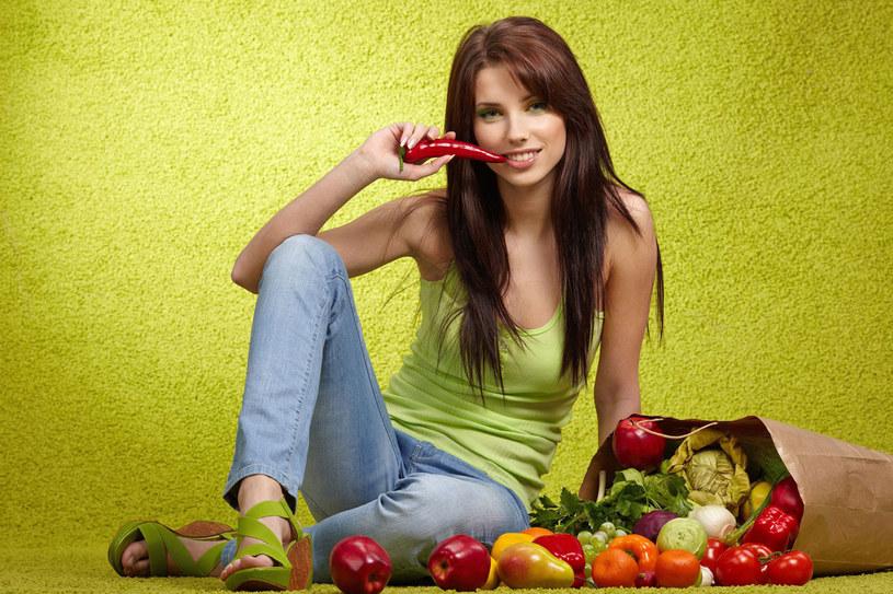 Dieta usuwa z organizmu zanieczyszczenia środowiskowe /123RF/PICSEL