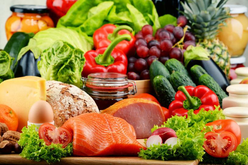 Dieta wątrobowa powinna być lekkostrawna /123RF/PICSEL