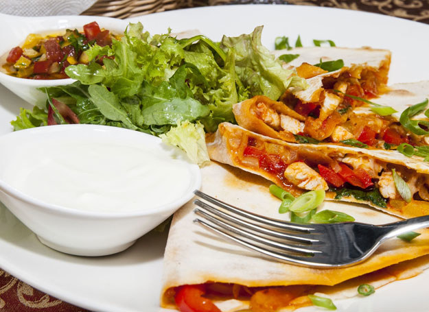 Dieta wegańska i wegetariańska wciąż wzbudzają wiele kontrowersji /123RF/PICSEL