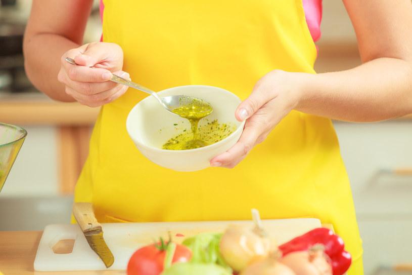 Dieta z mniejszą ilością tłuszczów zwierzęcych obniży cholesterol /123RF/PICSEL