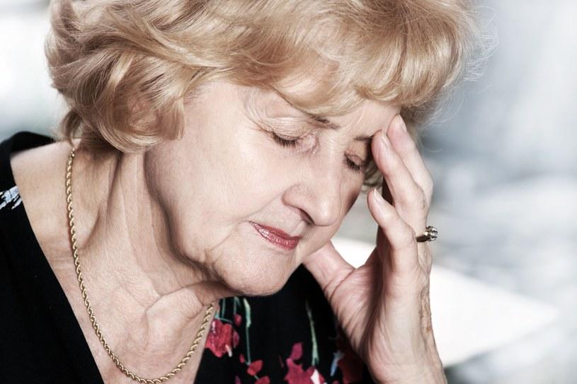 Dietę bogatą w błonnik powinni stosować przede wszystkim seniorzy /123RF/PICSEL