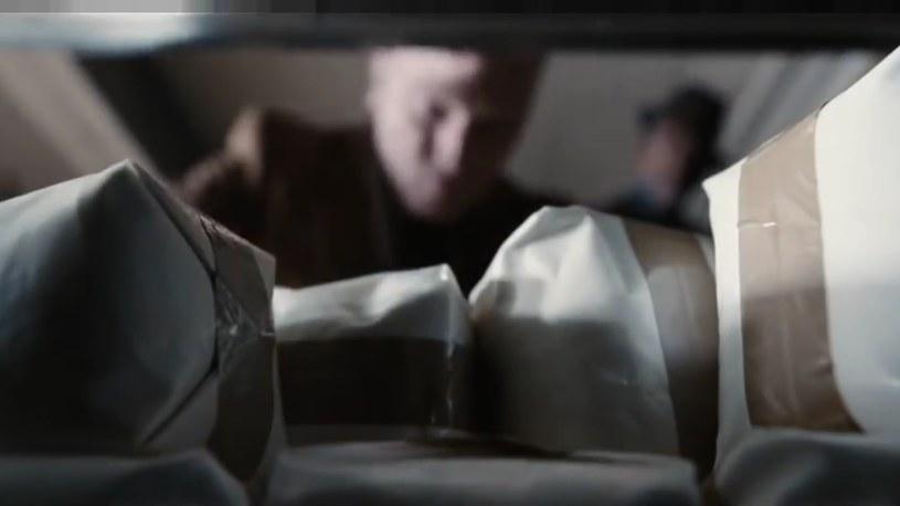 """Dilerzy porzucili opium na rzecz heroiny (kadr z filmu """"Marsylski łącznik) /materiały prasowe"""