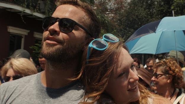 """Dillon Porter i Kerry Bishé w scenie z filmu """"Blue Highway"""" /materiały dystrybutora"""