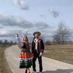 """""""Disco Weekend z Blondi"""": Edyta Folwarska w wersji ludowej zaprasza na Wielkanoc"""