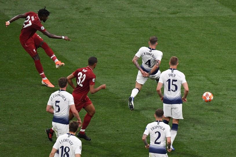 Divock Origi strzela gola na 2-0 dla Liverpoolu w ostatnim jak na razie finale LM. Czekamy na kolejny... /AFP