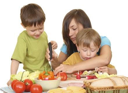 Dla dziecka, które skończyło rok, nie musisz już gotować oddzielnie /ThetaXstock