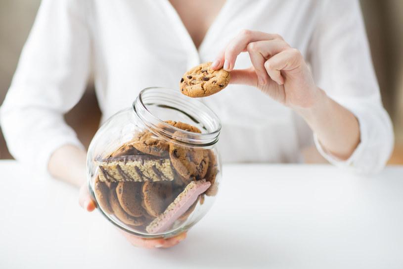Dla grzybicy jest dobra dieta wysokocukrowa i węglowodanowa /123RF/PICSEL