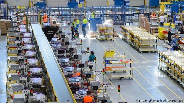 Dla handlu wysyłkowego nie ma większego koszmaru niż strajk pracowników przed Gwiazdką /Deutsche Welle
