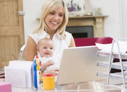 Dla kobiet, które chcą zwiększyć swoje szanse, istnieją kursy i szkolenia zawodowe /© Panthermedia
