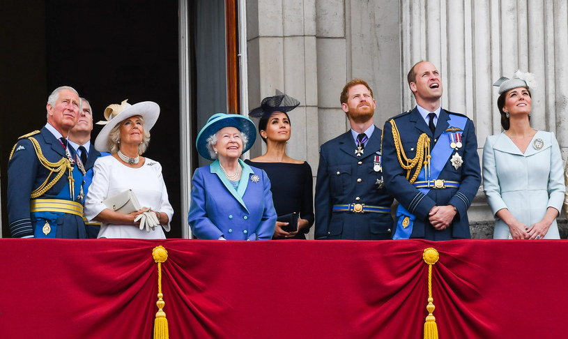 Dla królowej Elżbiety II decyzja wnuka o wyprowadzce do Kanady była zaskoczeniem /Getty Images
