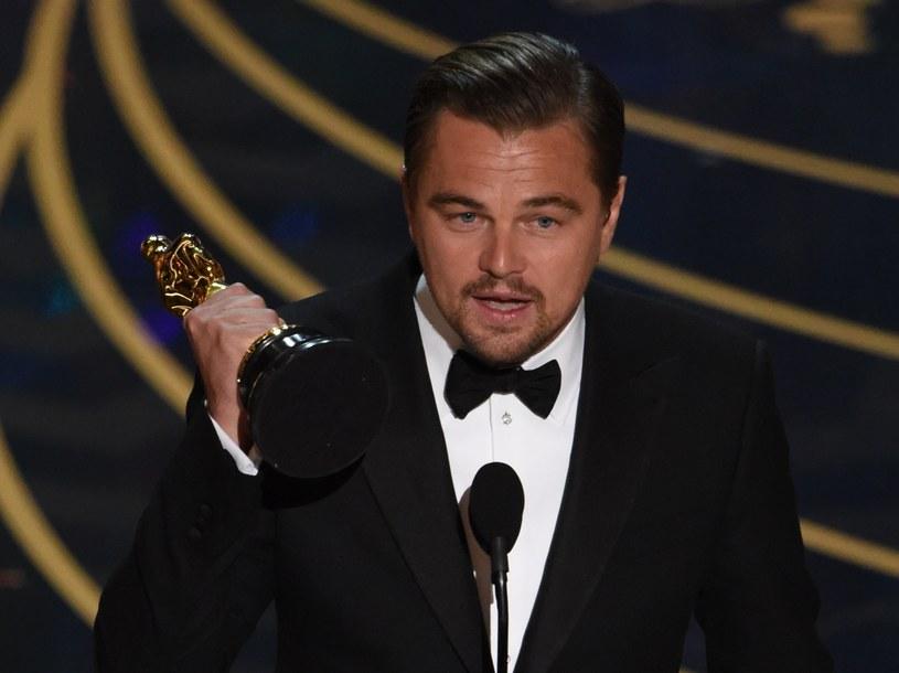 Dla Leonardo DiCaprio to pierwsza statuetka Oscara w karierze /AFP