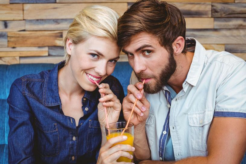 Dla mężczyzn każda interakcja osób płci przeciwnej może mieć podtekst seksualny /123RF/PICSEL