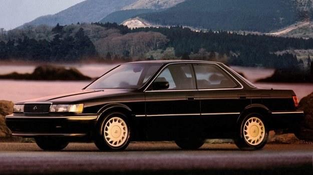Dla mniej zasobnych Toyota przewiduje tańsza wersję z silnikiem V6 noszącą oznaczenie Lexus ES 250. /Lexus