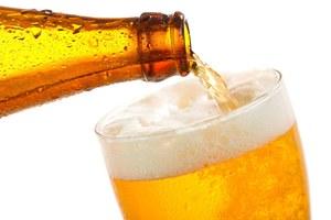 Dla piwa złamali prawo. Złodziej i pijany motorowerzysta staną przed sądem