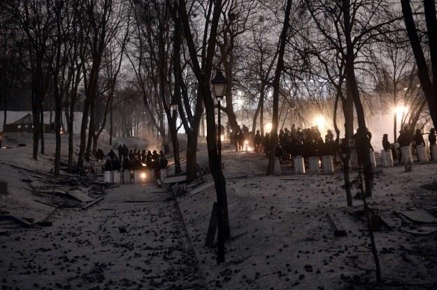 """""""Dla Ukrainy możliwe są scenariusze dobre, złe, bardzo złe i apokaliptyczne. Wczoraj zrobiono pół kroku ku scenariuszom dobrym, ale niebezpieczeństwa się nie oddaliły"""". /AFP"""