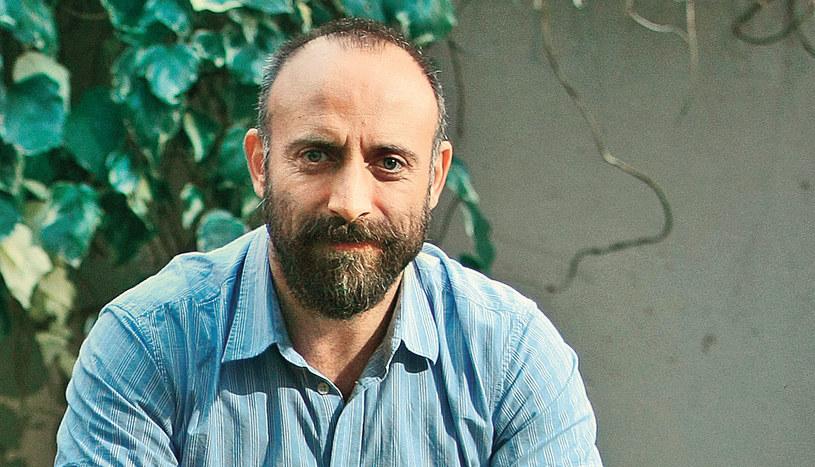 Dla wielbicieli na całym świecie Halit Ergenç to przede wszystkim sułtan Sulejman. Czy nowa rola przyćmi ten wizerunek? /Kurier TV