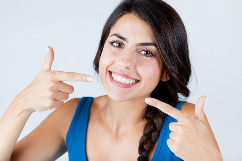 Dla wielu osób piękny uśmiech jest marzeniem /123RF/PICSEL