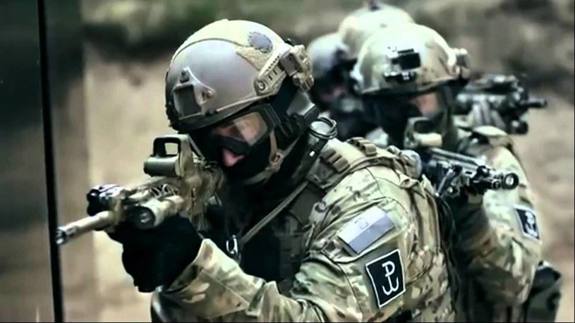 Dla wielu z kursantów marzeniem jest służba w siłach specjalnych /East News