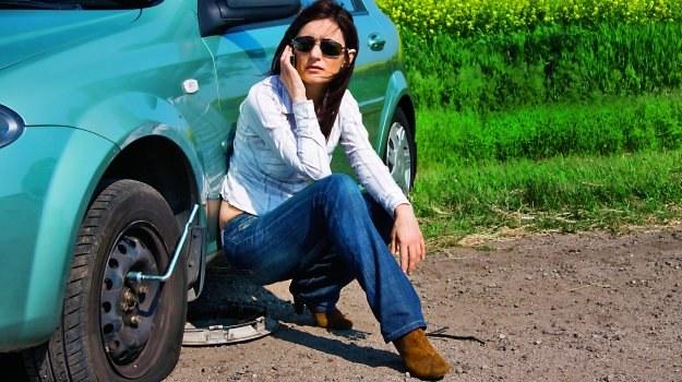 Dla własnego bezpieczeństwa nie należy starać się naprawiać kół za wszelką cenę. /Motor