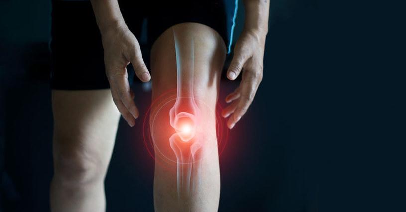 Dlaczego bolą nas kolana? /©123RF/PICSEL