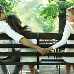 Dlaczego faceci flirtują z innymi kobietami?