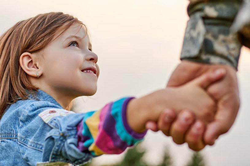 Dlaczego kobiety podważają ojcowski autorytet? /123RF/PICSEL