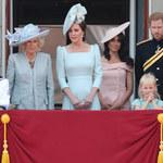 Dlaczego księżna Meghan staje za księżną Kate? Tajemnica rozwiązana