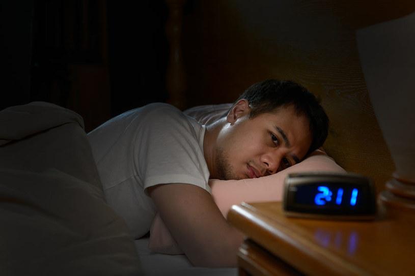 Dlaczego mamy problemy ze snem? /123RF/PICSEL
