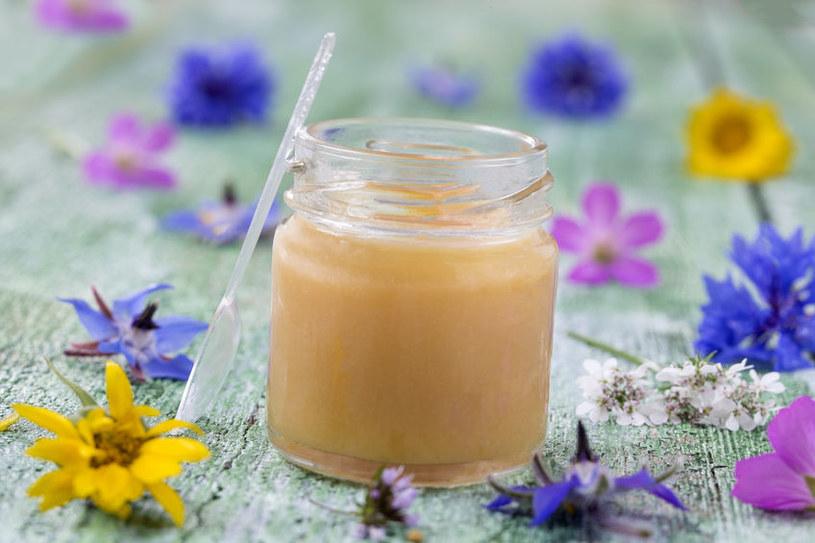 Dlaczego mleczko pszczele jest tak cenne? /©123RF/PICSEL