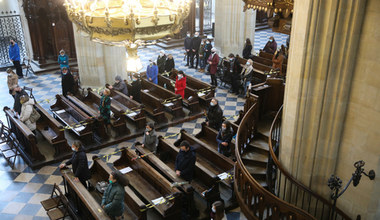 Dlaczego młodzi Polacy odchodzą od Kościoła?