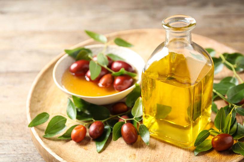 Dlaczego olejek jojoba jest tak cenny? /©123RF/PICSEL