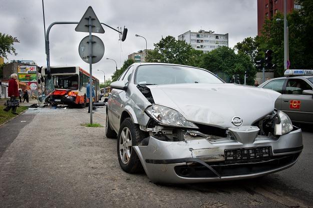 Dlaczego Polacy masowo giną na drogach? /PAP