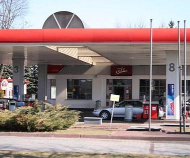Dlaczego Polacy tak dużo płacą za benzynę?