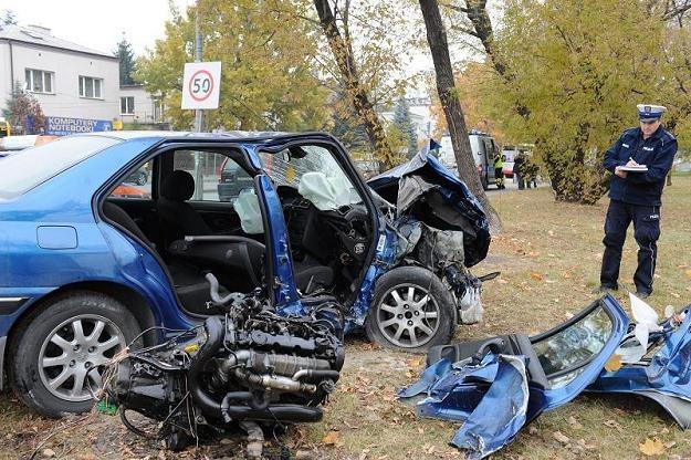 Dlaczego w Polsce dochodzi do tak wielu wypadków? /PAP