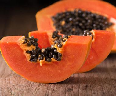 Dlaczego warto jeść papaję?