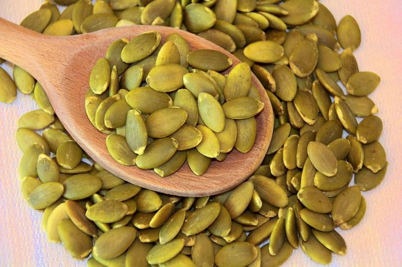 Dlaczego warto jeść pestki dyni? /©123RF/PICSEL