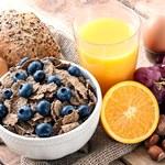 Dlaczego warto jeść śniadanie? Pięć ważnych powodów